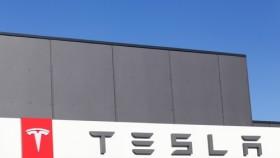 Tesla Motors revolutioniert Elektromobilität