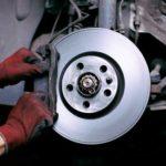 bremsbelaege_wechseln-150x150 Die Autoverwertung: Günstig, wenn's um gebrauchte Ersatzteile geht