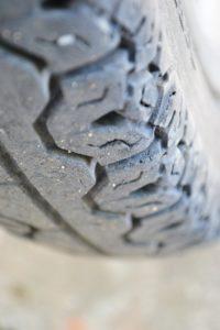 tire-195965_960_720-200x300 Der einfache Weg auf die Winterbereifung zu wechseln