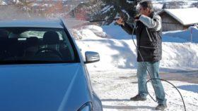 Autowäsche im Winter