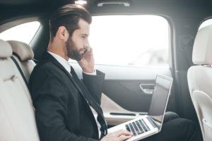 shutterstock_529653385-2-300x200 So wird das Auto zum mobilen Büro