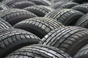 car-tyres-63928_1920-300x200 Verschleiß am Privatwagen – Die 7 häufigsten Verschleißteile