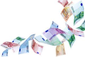 Geldscheine-300x200 Luxusautos: Gewinne und Verluste der Hersteller