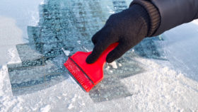 Scheiben-kratzen-280x158 Kein Eis kratzen mehr - Standheizung einfach nachrüsten