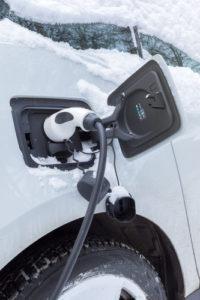 E-Auto-laden-200x300 Wintertipp für Elektroautos: Vorheizen und Reichweite erhöhen