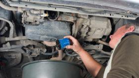 ölfilter-wechseln-280x158 Defekte Wasserpumpe/Kühlmittelpumpe wechseln: Diagnose, Anleitung & Kosten