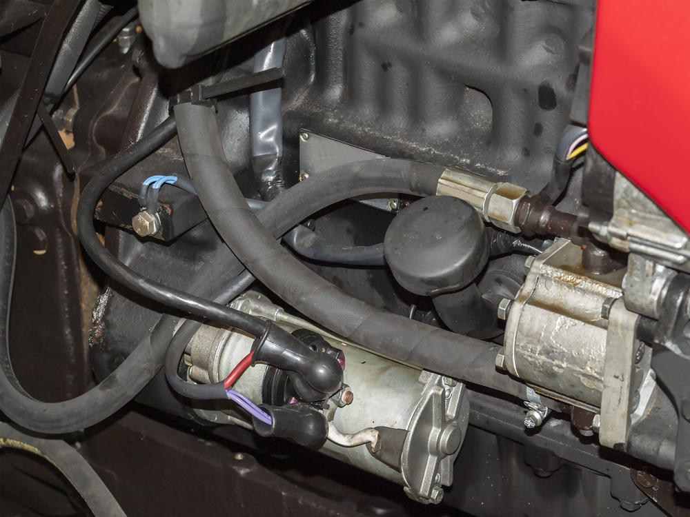 anlasser-im-motorraum Defekten Anlasser erkennen und wechseln