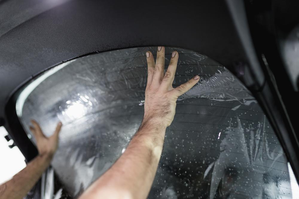 folie-heckklappe Scheiben tönen beim Auto – Ratgeber, Rechtliches und Anleitung zum selber machen
