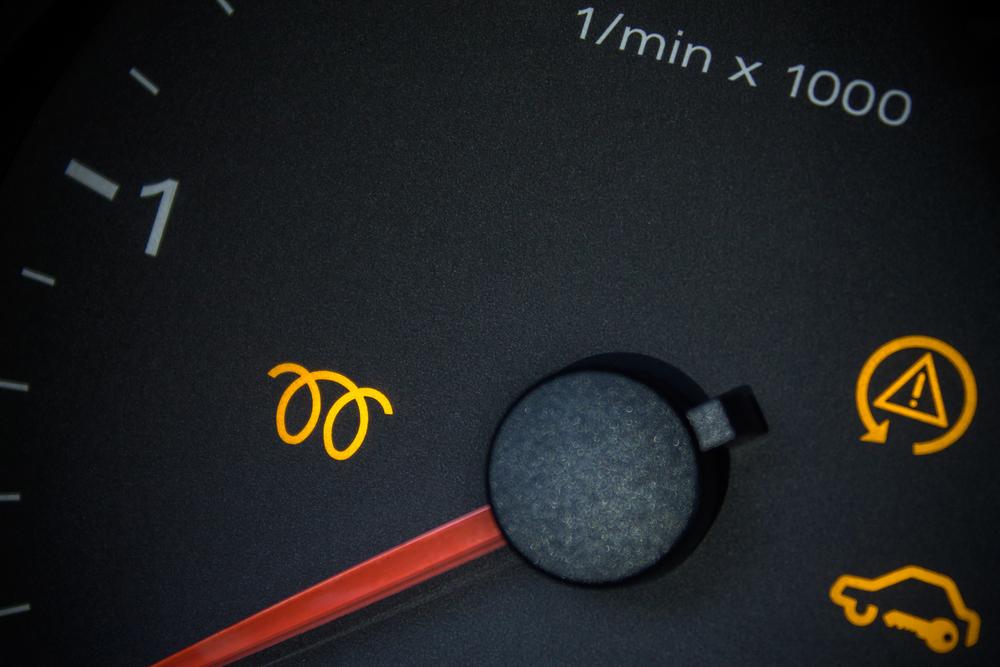 glükerzenanzeige-im-armaturenbrett Defekte Glühkerzen beim Diesel erkennen und wechseln