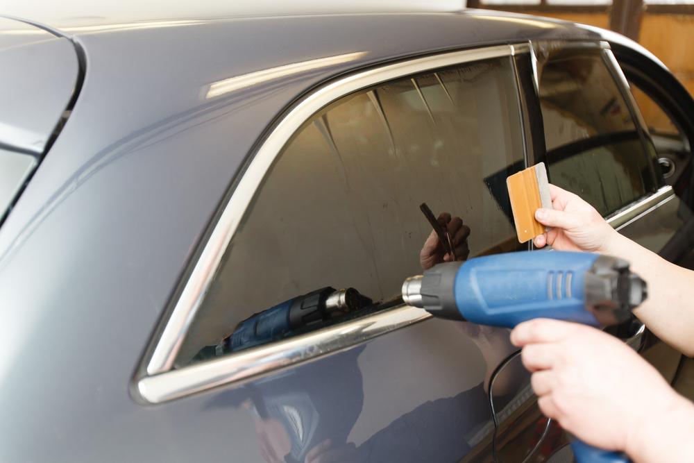 scheibentönen Scheiben tönen beim Auto – Ratgeber, Rechtliches und Anleitung zum selber machen