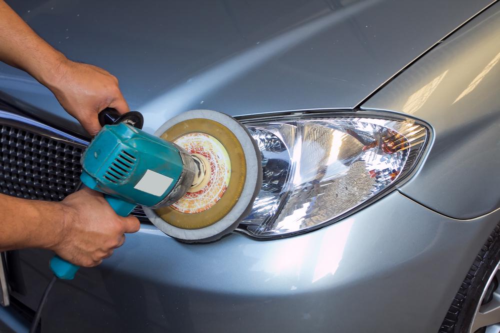 autoscheinwerfer-polieren Matte Scheinwerfer beim Auto polieren – Rechtliches und Ratgeber