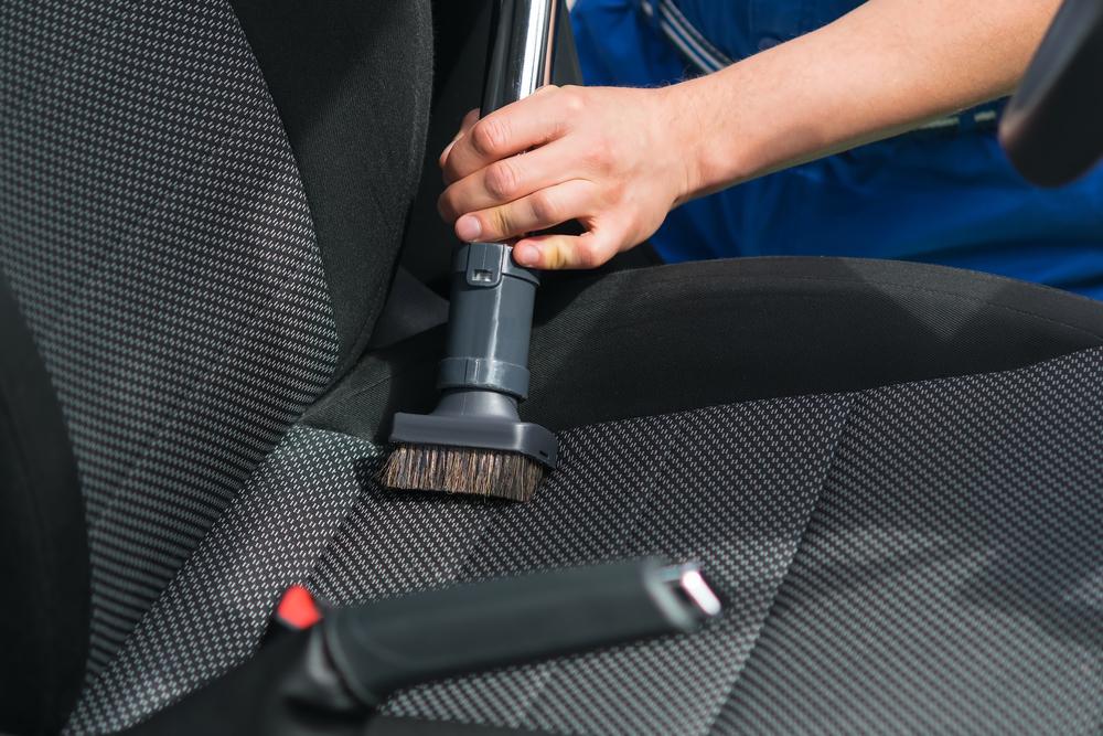 autositz-absaugen Autositz reinigen – Ratgeber, Tipps und Tricks