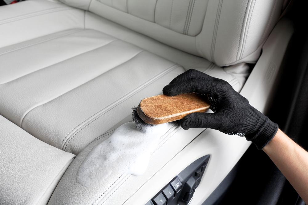 ledersitz-pflegen Autositz reinigen – Ratgeber, Tipps und Tricks
