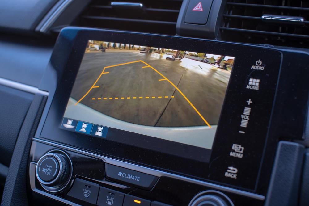 rückfahrkamera-autodisplay Rückfahrkamera nachrüsten – rechtliche Hinweise und Anleitung zum selber einbauen