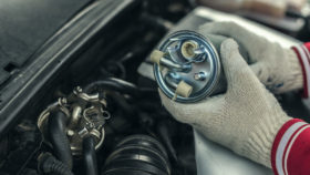Bild-1-Kraftstofffilter-wechsenl-auto-280x158 Stabilisatorlager wechseln – Funktion, Diagnose und Einbauanleitung
