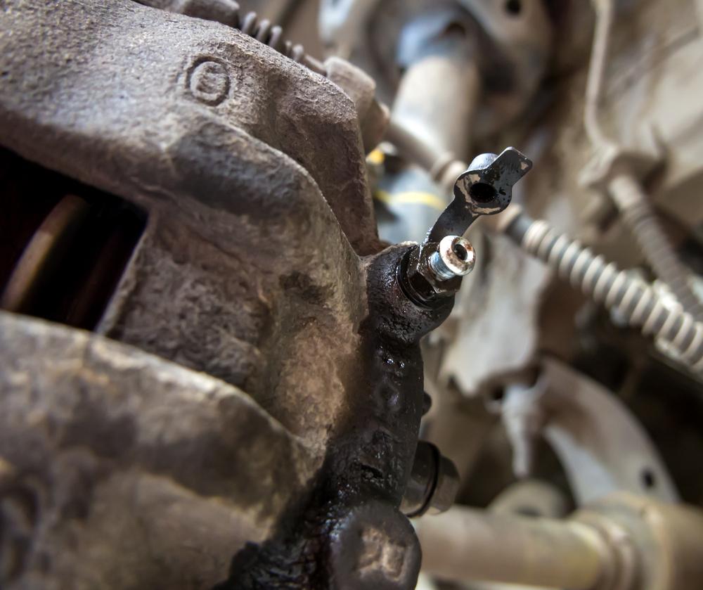 Staubschutzkappe-Bremssattel Bremsflüssigkeit – Wissenswertes und Ratgeber zum selber wechseln und entlüften