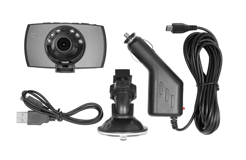 Bild2-Dashcam-Stromversorgung-Saugnapf-Stecker-Zigarettenanzünder Dashcam im Auto – Wissenswertes und Einbauanleitung