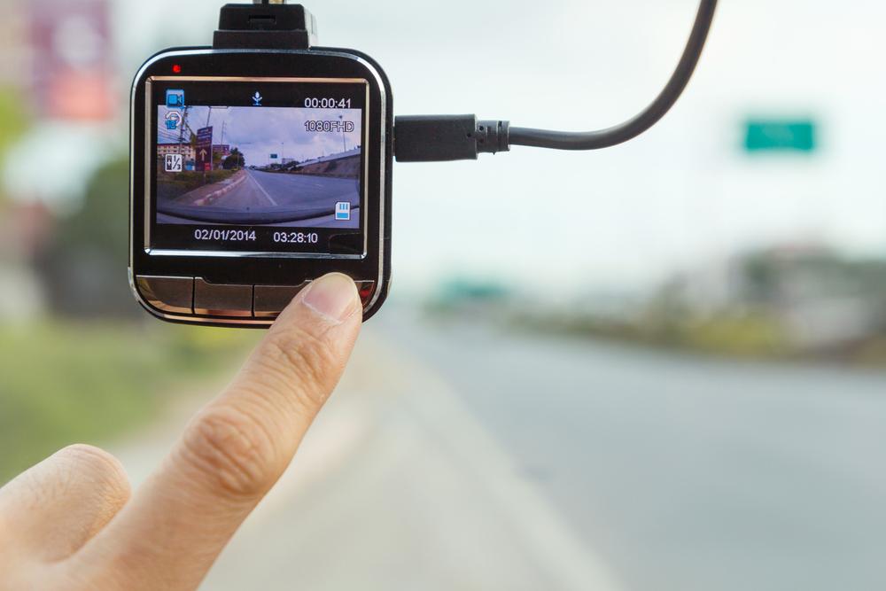 Bild5-Dashcam-einschalten-und-testen Dashcam im Auto – Wissenswertes und Einbauanleitung