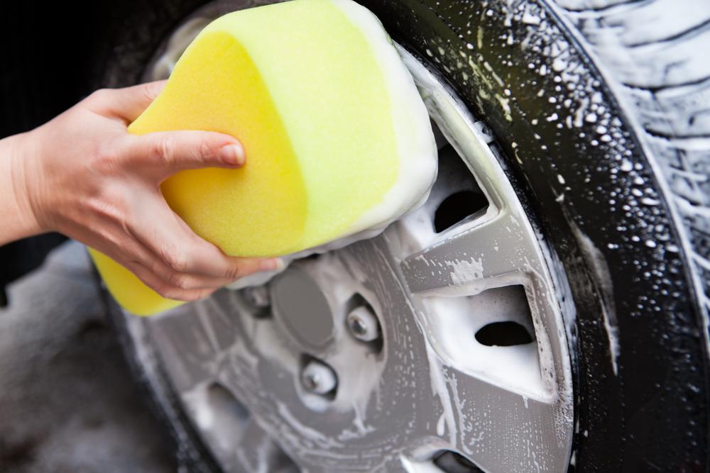 Bild5-Reifen-Räder-waschen Reifen lagern – Wissenswertes zum Thema Sommer- und Winterreifen