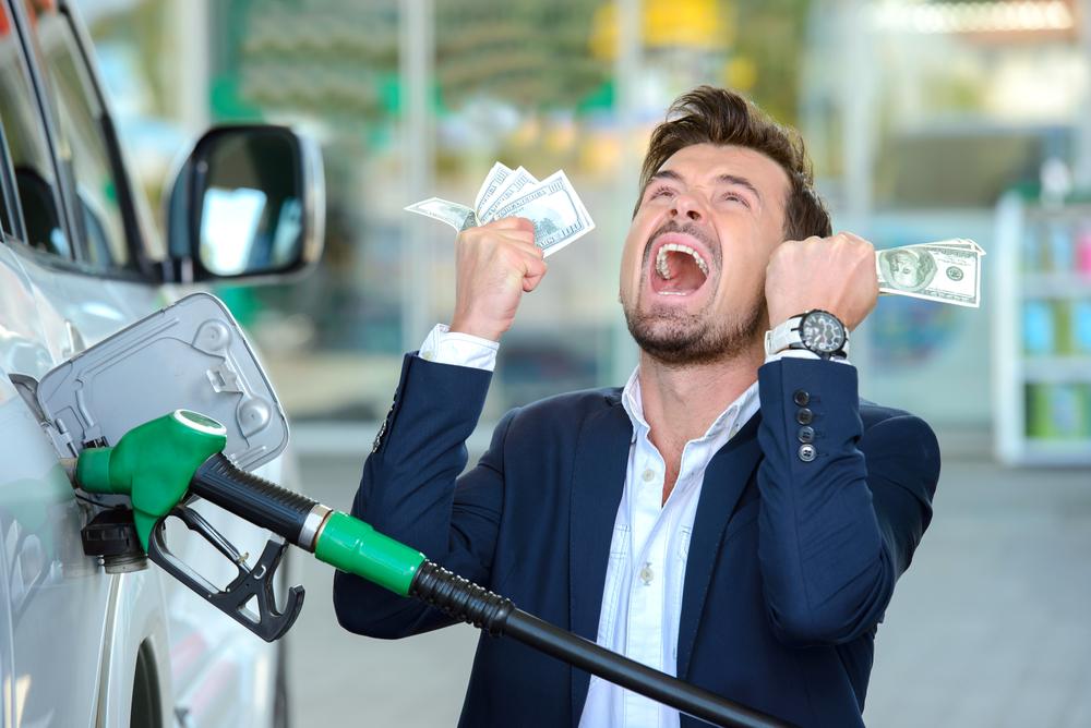 Titelbild-sprit-sparen-auto-benzin-diesel Kraftstoff sparen beim Auto – Ratgeber mit Tipps und Tricks