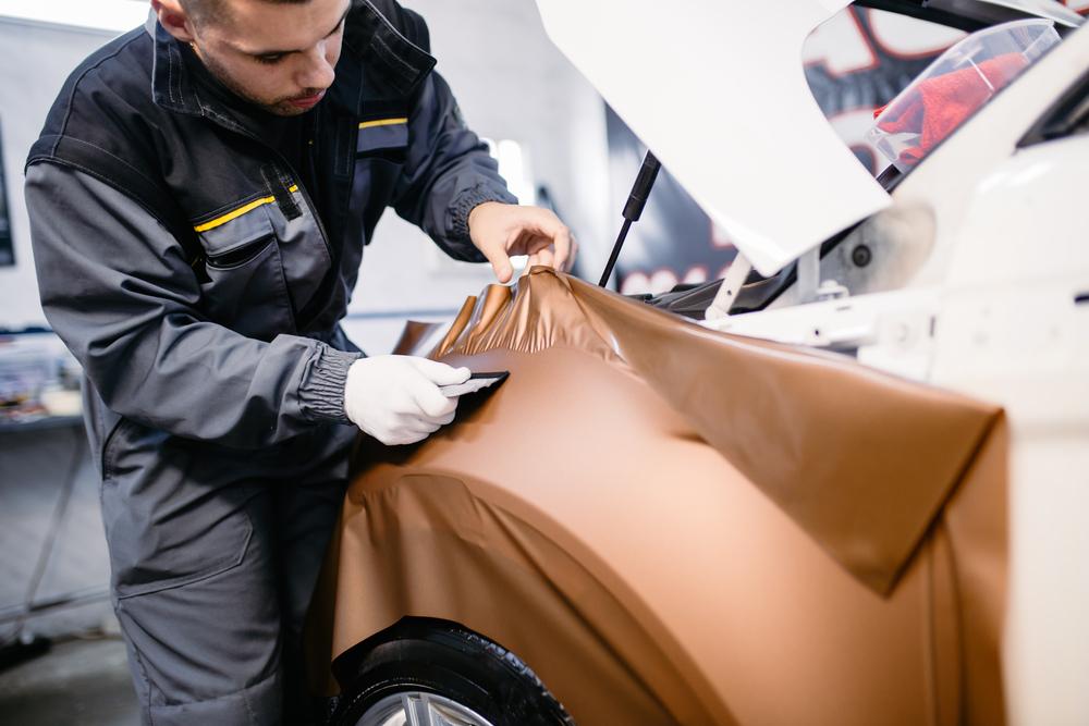 Titelbild-Auto-folieren Auto selber folieren statt lackieren – Ratgeber, Wissenswertes und Tipps