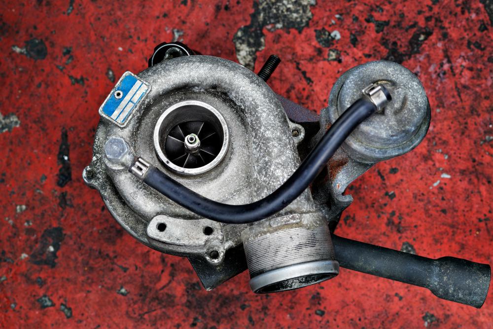 Alter-defekter-Turbolader-Auto Turbolader – Wissenswertes, Diagnose, Ratgeber zum Wechseln