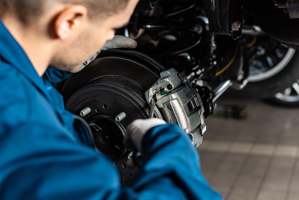 Titelbild-Bremssattel-Auto Bremssattel Ratgeber – Aufbau, Diagnose und Austausch