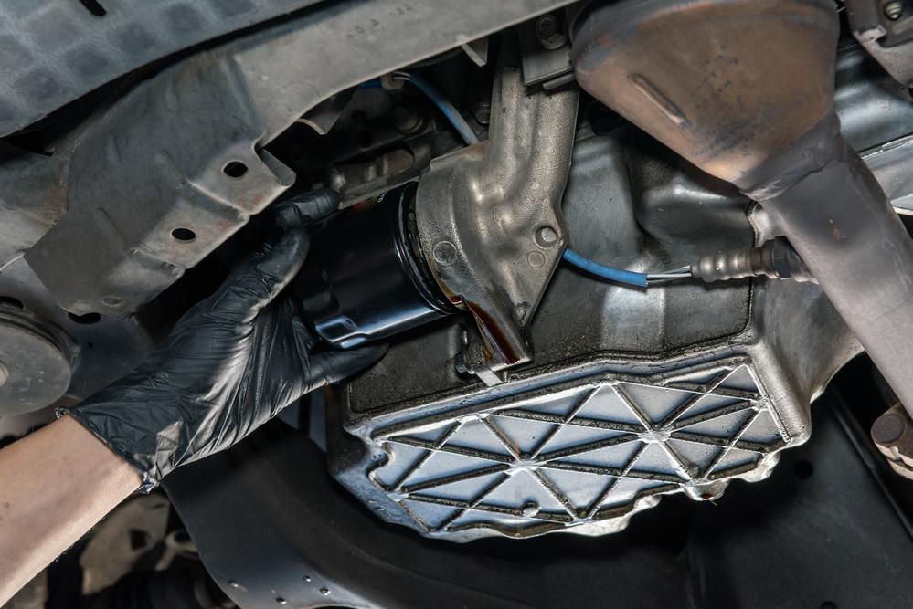 Titelbild-Oelfilter-loesen-wechseln-auto Ölfilter lösen – kinderleicht und ohne Spezialwerkzeug