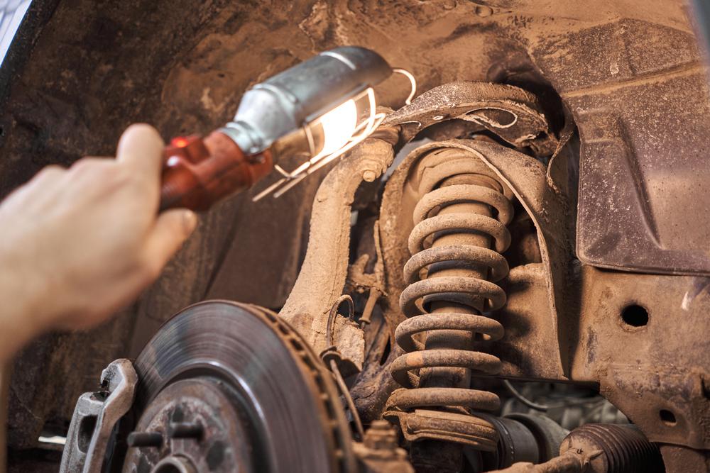 Titelbild-Fahrwerksfeder-Auto Fahrwerksfedern – Aufbau, Funktion, Kosten und Anleitung zum Wechseln