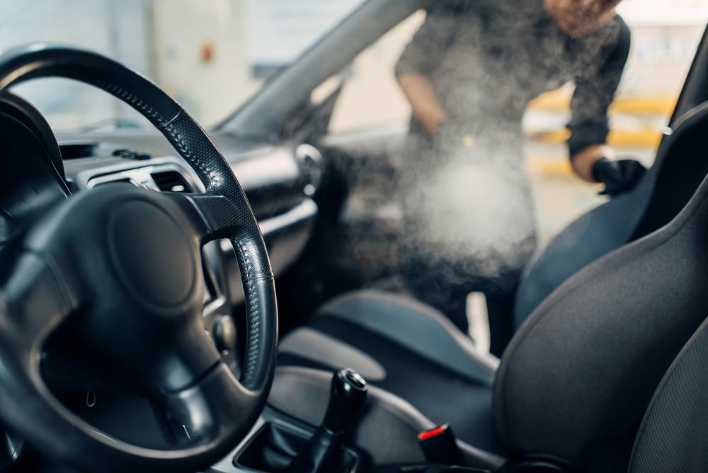Titelbild-Ozonbehandlung-Auto Ozonbehandlung gegen schlechte Gerüche im Auto